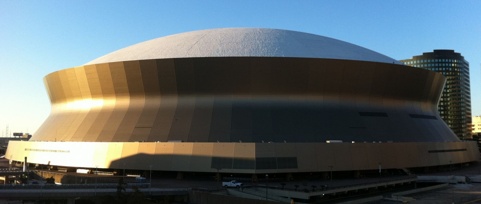 Mercedes benz superdome experience new orleans for Where is the mercedes benz superdome