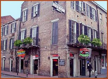 Bourbon Street Rental With Balcony