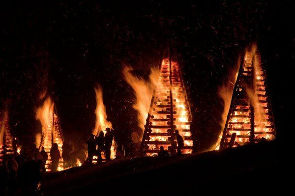 Christmas Eve Bonfires On The Levee 2020 Bonfires on the Levee   Experience New Orleans!